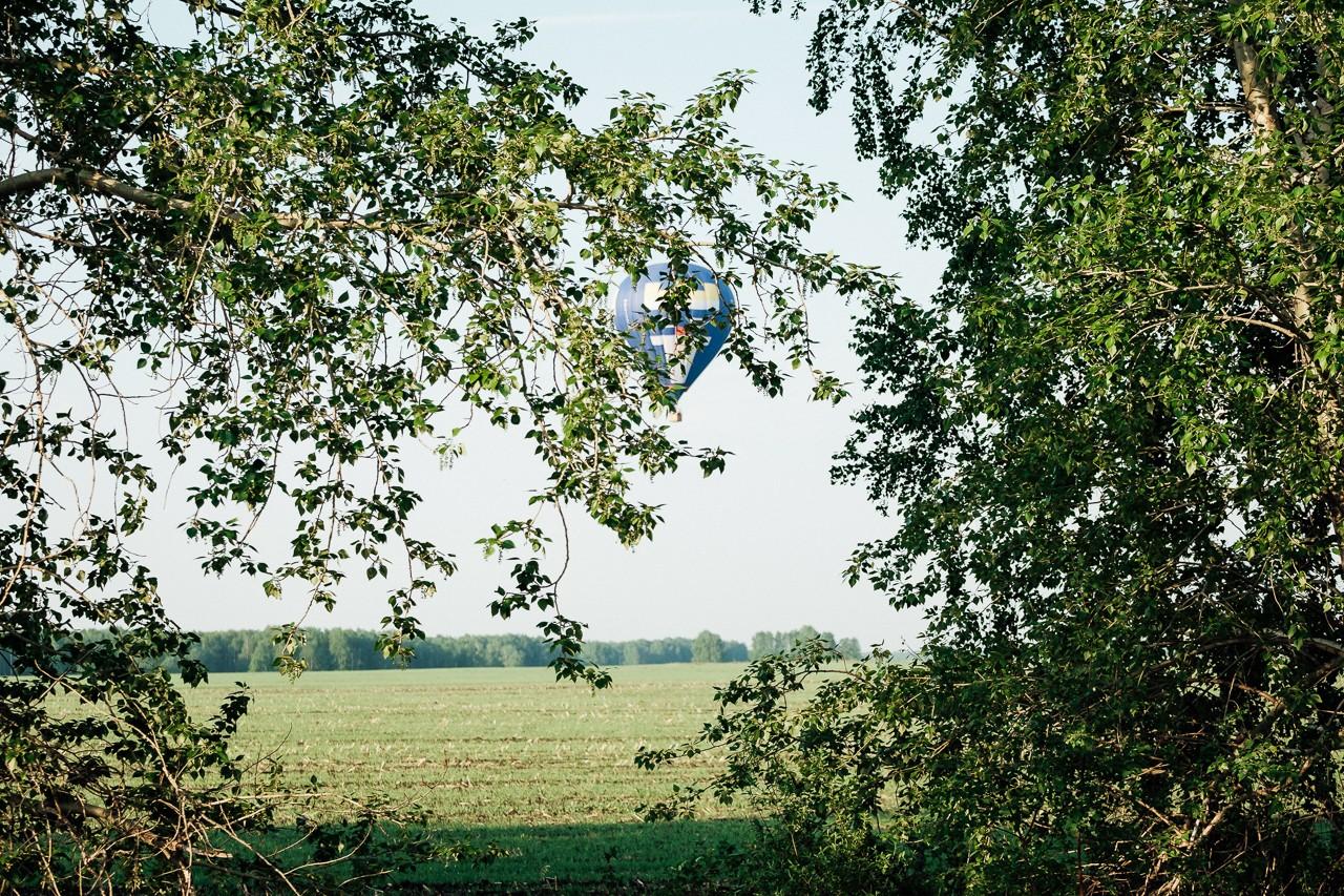 подарок на свадьбу молодоженам - полет на шаре